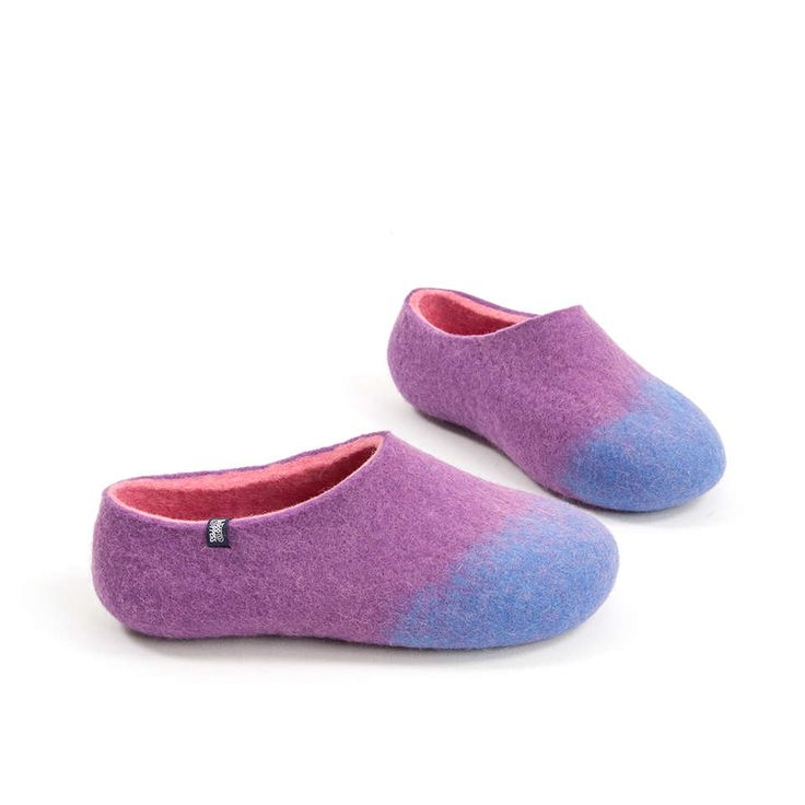 Women's wool slippers sky blue, lilac, pink from the AMIGOS Wooppers slippers collection #wool #slippers #felted