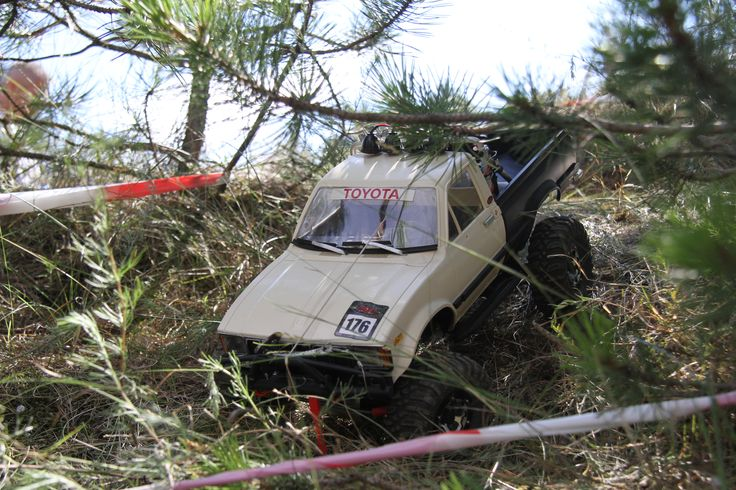 Hungarian Rc Crawler and Scale 4x4 Rc Trial Club_Brumca_Toyota_hilux'82_2016_sadadűne