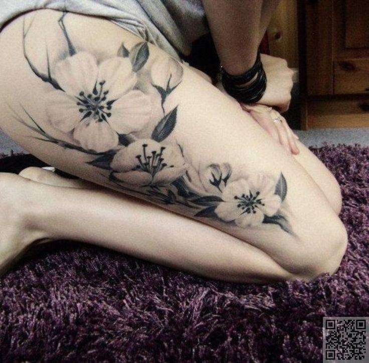 39. #cuisse fleurs - 41 #tatouages inspirant et #principalement noir et…