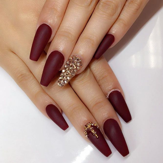 27 Dazzling Ideas For Maroon Nails Designs
