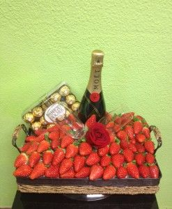 Cesta de frutas - Yamil Floristas www.yamilfloristas.com 915339232