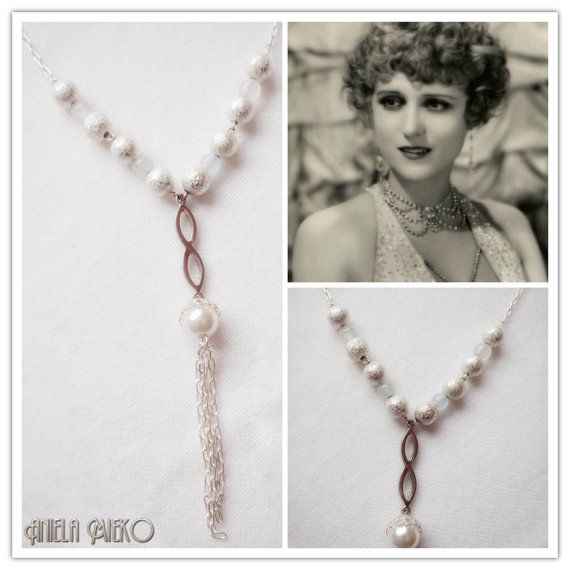 Long necklace -Roaring necklace -  Flapper necklace  by AnielaMieko Only 24$US and you can save 10% with this code PINTEREST16 #roaringinspired #roaringjewelry #flappernecklace #flapperjewelry #1920sinspired #handmade #madewithlove #giftforher #bridemaidnecklace #statementnecklace #weddingnecklace #AnielaMieko #mtlfashion