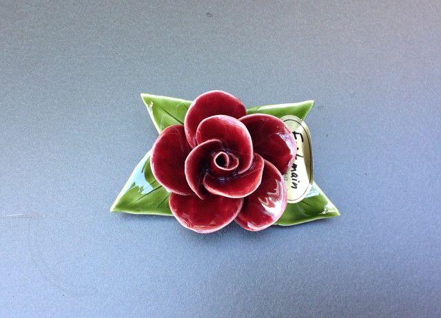 Grafdecoratie boeketje met rode roos