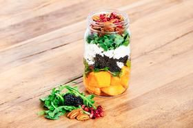 Cantaloup et Blackberry Mason Jar Salad