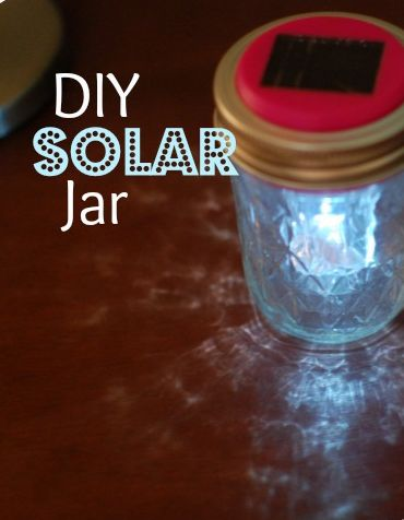 DIY Solar Jar!!  You've got to try this, your kids will love it!  Plus it's all from the Dollar Store! #diy