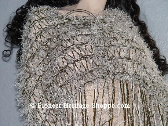Google Bilder-resultat for http://www.pioneerheritageshoppe.com/images/Knitting/Scarves-Wraps/Wraps/elegantwrap-004lg.jpg