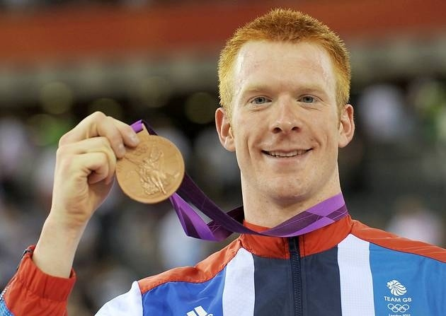 Cycling: Ed Clancy wins Olympic bronze cycling medal for GB in men's omnium :D