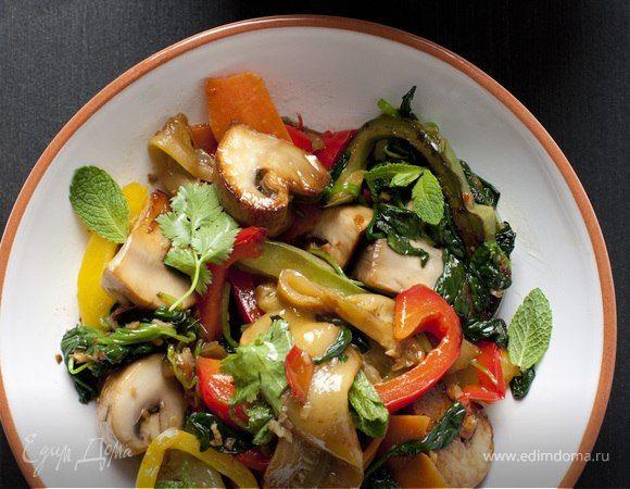 Овощи по-китайски от Юлии Высоцкой  Пикантная овощная закуска как нельзя лучше дополнит стол, внесет в общее меню острую, пряную ноту. На приготовление у вас уйдет не более 30 минут. Попробуйте! #готовимдома #едимдома #кулинария #домашняяеда #закуска #салат #овощной #покитайски #юлиявысоцкая #ароматноеблюдо #вкусно #пикантно #острое