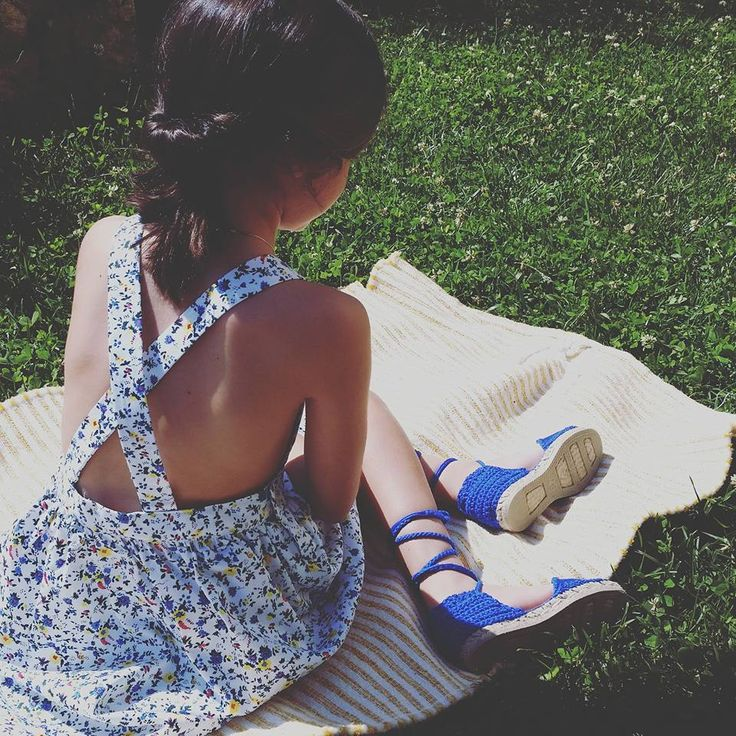#alpargatasartesanales #PuntoyAparte #verano2016 #modaniña #alpargatasdetiras #calzadoinfantil #espardeñasdecintas #kidshoes #littlefashionistascloset #coolkids #chic #cute #espadrilles #gocco #pichi #ootd #kidstreetstyle