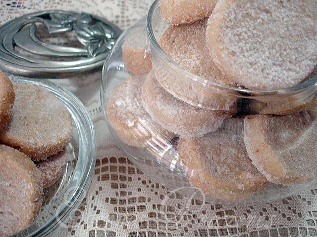 Eternos Prazeres: Biscoitos amanteigados de rum...para meu bom dia a 2012!