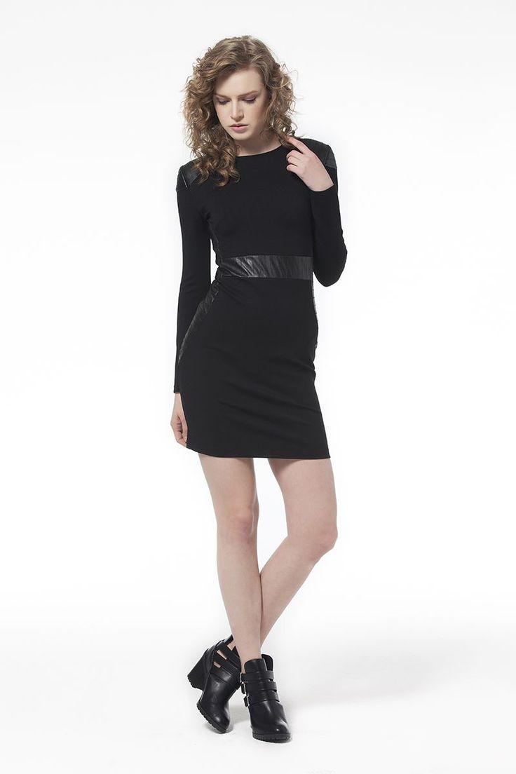 Deri Detaylı Elbise Siyah Deri Detaylı Elbise Siyah Elbise En Trend Elbiseler 69,90 TL
