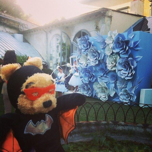 И конечно же Мишка посетил все вечеринки и показы на Pitti bimbo 81 #pitti #pittibimbo #показ #monnalisa #batpooh #мишка #мишкапутешественник#путешественник #поезка#италия#iltaly #firenza #флоренция #party#shootingparty#фото