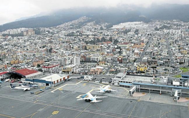 Último día de operaciones en el norte de Quito. El último vuelo previsto para hoy desde el Aeropuerto Mariscal Sucre será el de Tame a Guayaquil, a las 18:55. 19.02.2013