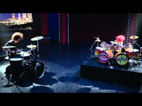 Dave Grohl and Animal Drum Battle - The Muppets - YouTube
