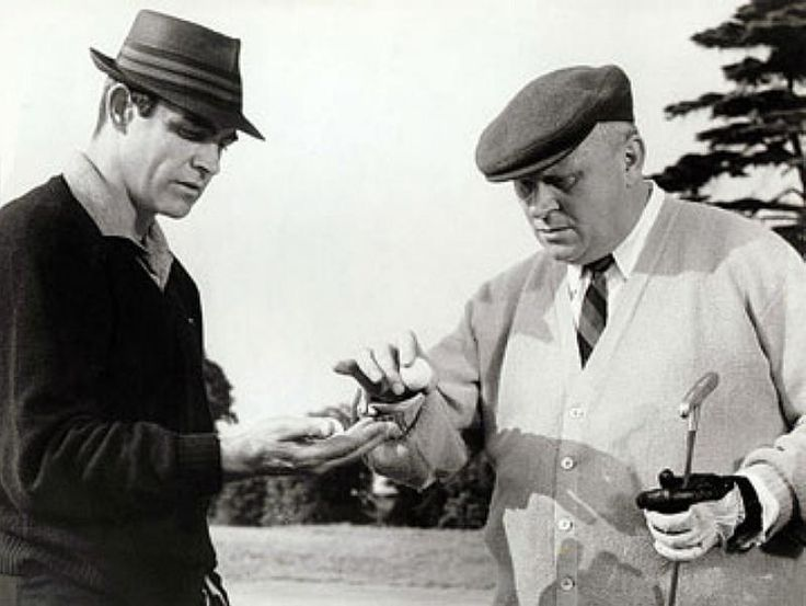 James Bond Playing Golf   Das James Bond Forum - Im Geheimdienst Ihrer Majestät: James Bond ...
