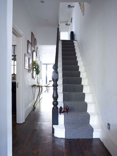 Two toned color scheme hallway and stairway