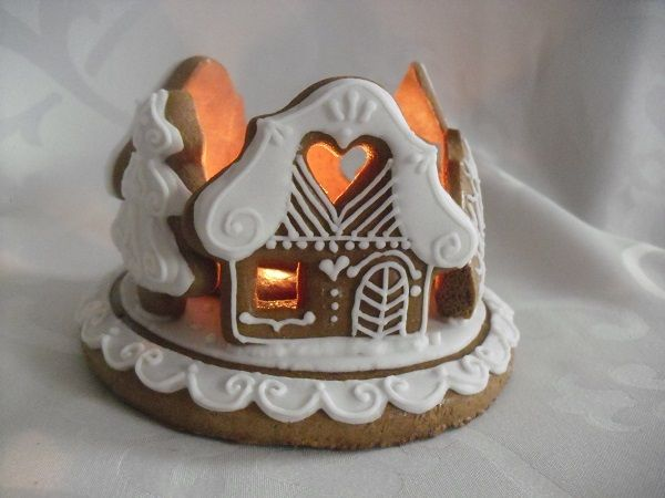 Small gingerbread candlestick trees/houses .. ..