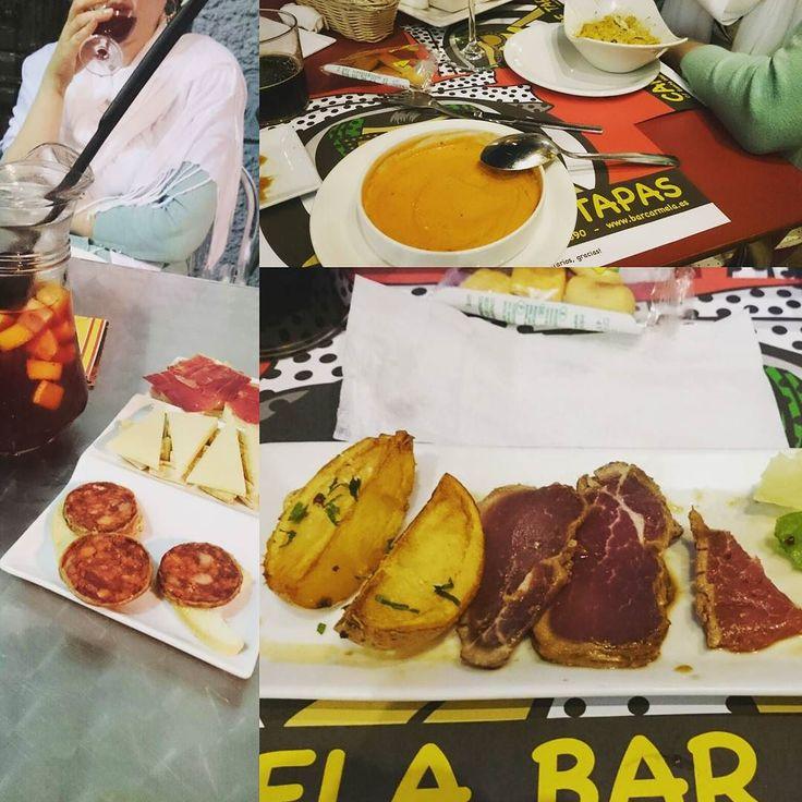 Находясь в отпуске совершенно невозможно не похвастаться едой! Наконец мы поняли мастерское искусство поедания вкусностей по-испански #tapas и собираемся довести его до совершенства И да это сырое мясо все когда-то бывает в первый раз #Espana #Sevilla #tapas #barCarmela #jamon #chorizo #tataki #salmorejo #Испания #Севилья #тапас #еда #хамон #чоризо #татаки #исупнепонятноизчего и #конечно #сангрия #люблюпокушать #особенновотпуске #путешествиямаленькаяжизнь by theolyapavlova