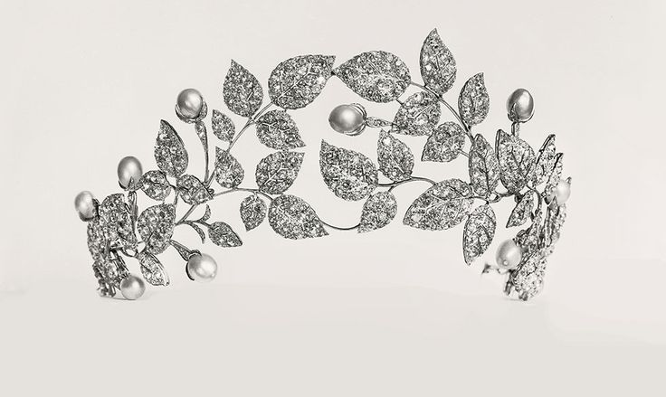 Chaumet wild rose tiara c1922 jardins collections mus e for Jardin francais jewelry