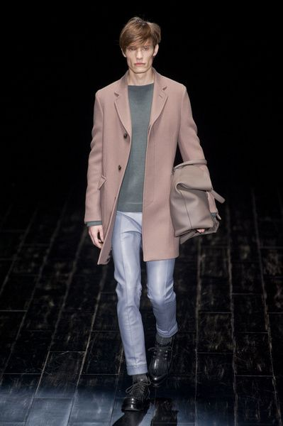 MMU FW 2014-15 – Gucci See all the catwalk on: http://www.bookmoda.com/sfilate/mmu-fw-2014-15-%E2%80%93-gucci/  @gucci #gucci #milan #fall #winter #catwalk #menfashion #man #fashion #style #look #collection #MMU