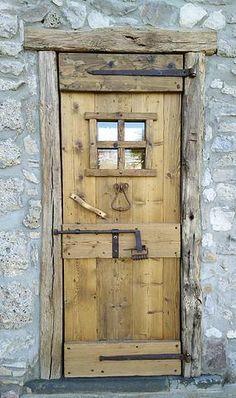 Oltre 1000 idee su porte in legno su pinterest vecchie - Vecchie porte in legno ...