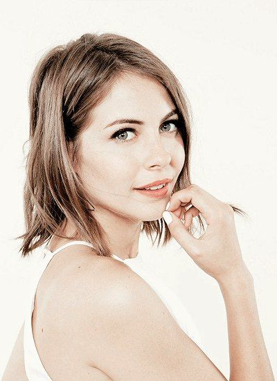 (FC: Willa Holland) Hi my name is Thea Queen. Technically I am a Merlyn but it doesn't matter. I am good at fighting and archery. My brother is Oliver Queen. Introduce? :)