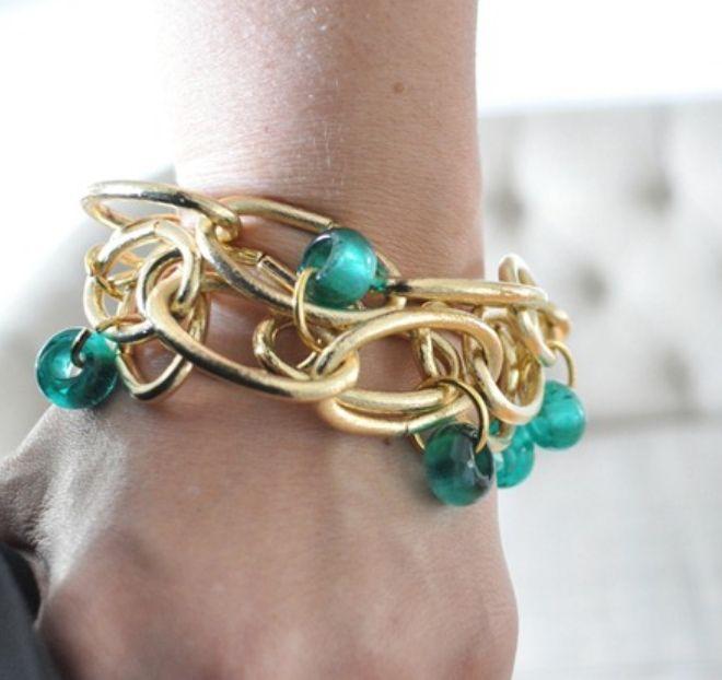 Крупные браслеты для жаркого лета / Крупные звенья цепи и яркие бусины, соединенные вместе - это яркий аксессуар вашего непоторимого образа этим летом!