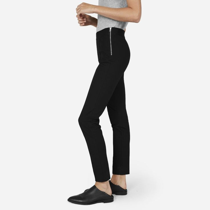 Feels like a legging. Looks like you tried. The perfect skinny pant, in a mid-weight ponte knit with flattering, comfortable stretch. An elastic waistband and side zipper add an extra slimming effect.