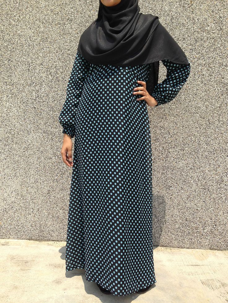 Made of fully-lined chiffon and bubbly colours in 4 sweet polka-dot combinations, the Dayanah Polka Dot Dress is great for casual or daily wear because it is really so easy to don. It comes with a Vertical Zip access for a quick and convenient nursing session.  Colour: Black with Turqoise Polka