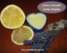 Een crème parfum of solid parfum is een handige huidvriendelijke parfum op basis van verzorgende natuurlijke olie, bijenwas en natuurlijke pure etherische olie. Leer hier hoe je dit zelf maakt.