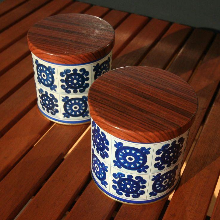 pientä mutta suurta : Old Viri cacao tins