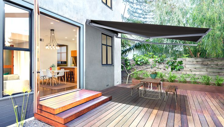 The Luxaflex Ventura Terrace has been designed specifically for narrow terraces or apartment buildings. This is a narrow awning with a long projection, as the arms on the system offset one above the other. #luxaflexaus #venturaterrace #venturaawning #luxaflexnewyearsale