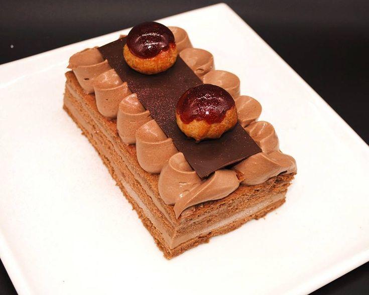 Rettangolo di Saint Honoré al cioccolato