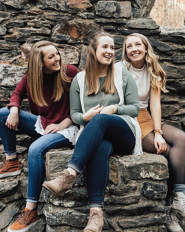 The Popp family is on the blog today link in bio     #royaannmillerphotography #family #familyphotography #portraitphotography #portraits #familyportraits #sisters #sistersister #atlanta #familysession #destinationphotographer #atlantafamilyphotographer