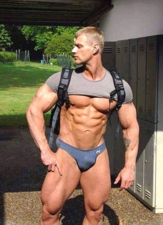 Blonde muscle men naked