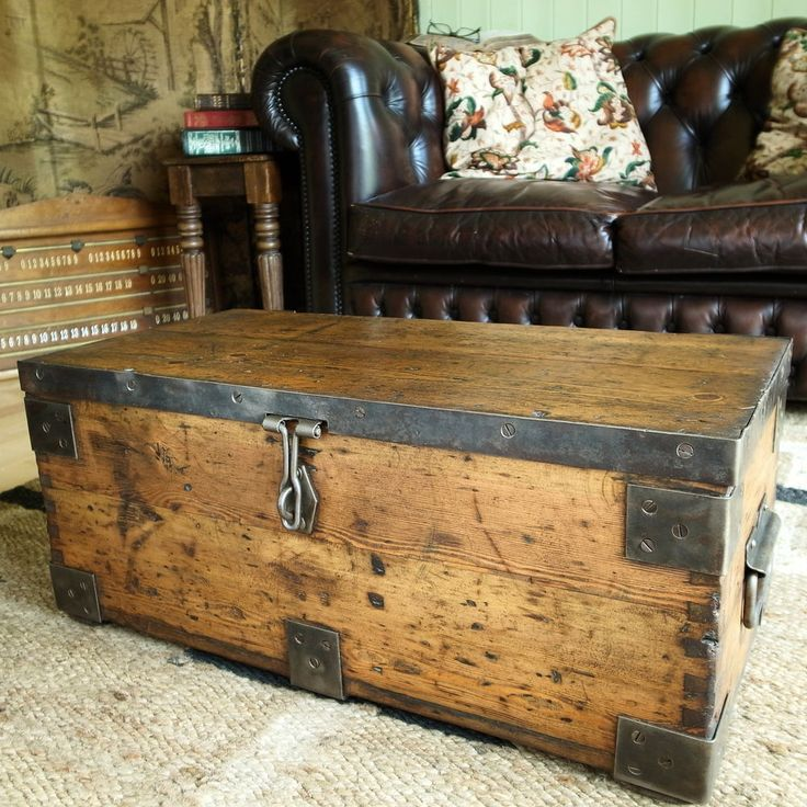 VINTAGE INDUSTRIAL CHEST Storage Trunk WWII MILITARY CHEST Rustic Pine TOOL BOX