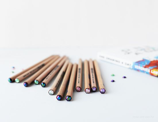 Poppytalk: DIY: Sparkle Top PencilsDiy Sparkle, Good Ideas, Tops Pencilsmak, Diy Inspiration, Pencil Diy, Diy Décor Inspiration, Sparkle Tops, Projects 14, Diy Projects