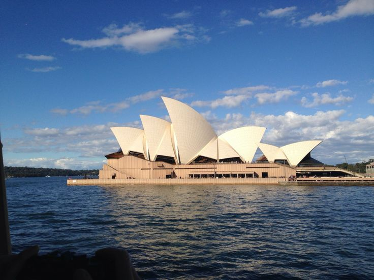 Life imitates art. The saying is well corroborated by the magnificent Sydney Opera House, which is home to the most exquisite forms of Art. Located in Sydney, New South Wales, Australia, The Sydney Opera House is a multi-venue performing Arts centre. http://www.guiddoo.com/