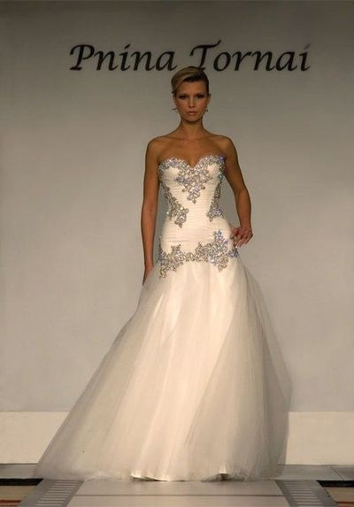 Google Image Result for http://www.recycledbride.com/uploads/listing/82/82845/pnina_tornai_0757_wedding_dresses_62685_view0.jpg
