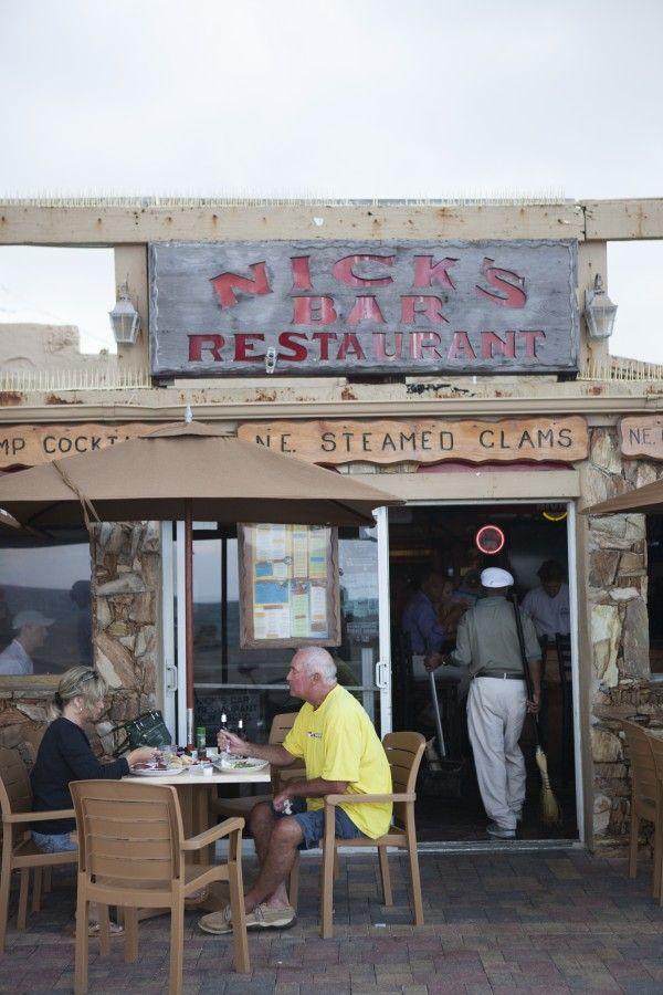 12 Best Florida Beach Bars | Nick's Bar & Grill | Hollywood Beach