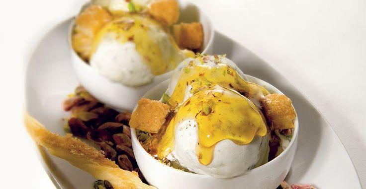 """Ricetta """"Simply"""": Gelato al fior di latte e gorgonzola con sfogliatine, miele e pistacchi"""