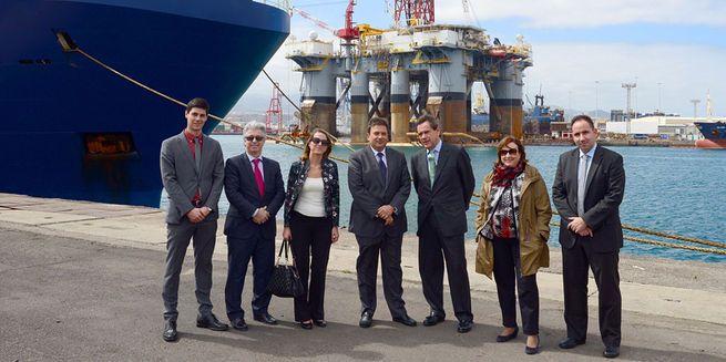 Los Puertos de Barcelona y Las Palmas cooperarán en tráfico ro-ro, productos minerales y cruceros