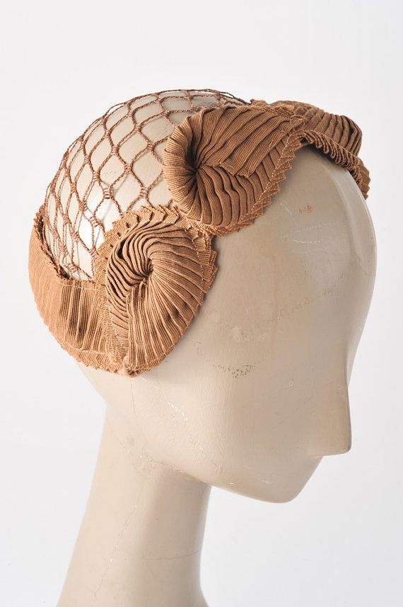 Vintage Fawn Fascinator 1940s Hat Autumn Bridal by missfarfalla. Sweet cocardes make this head hugging style. #judithm
