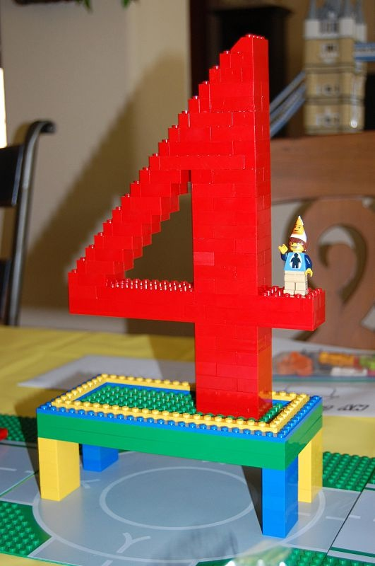 Lego 4 centerpiece - we will have a 7! :O