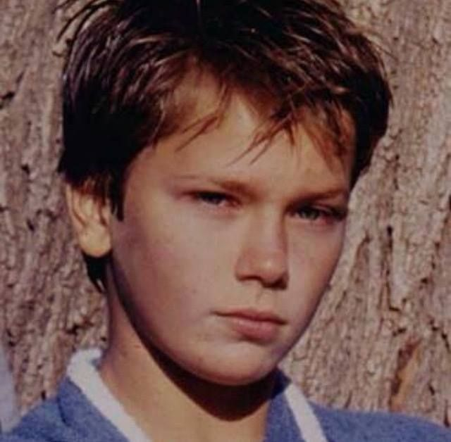 River Phoenix #actor #young