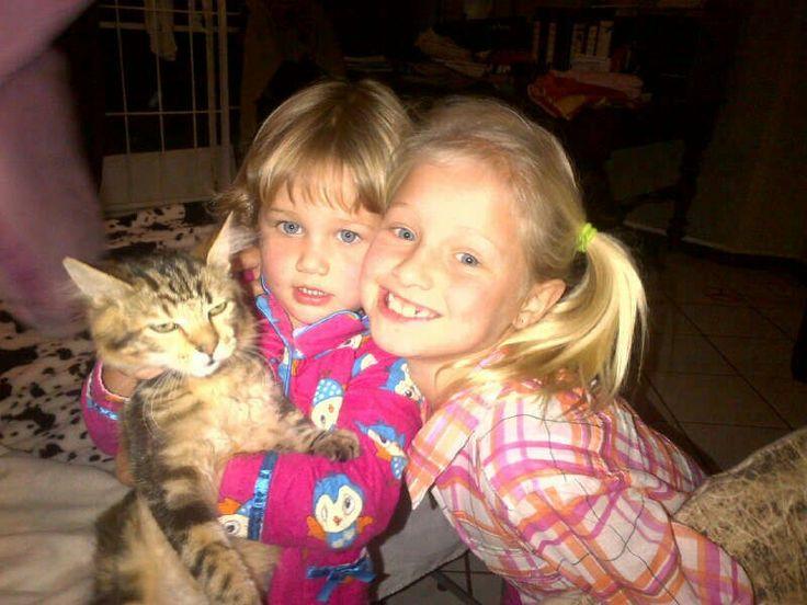 Cuties Isla and Mckenna and Mr Cat!