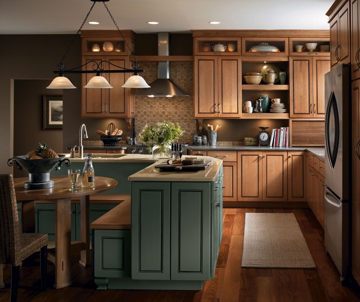 Kitchen Iland Chesterwood Colour Combination: Warm And Wonderful, The Custom Look Of Light Maple
