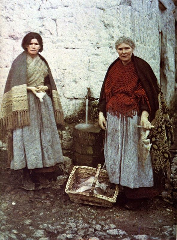 These images, which represent the first ever colour photographs taken  in Ireland, were taken in 1913 by two French women, Marguerite Mespou...