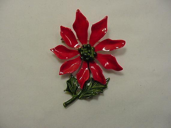 Vintage Christmas Poinsettia Flower Brooch 19 65 Poinsettia Flower Christmas Poinsettia Vintage Christmas