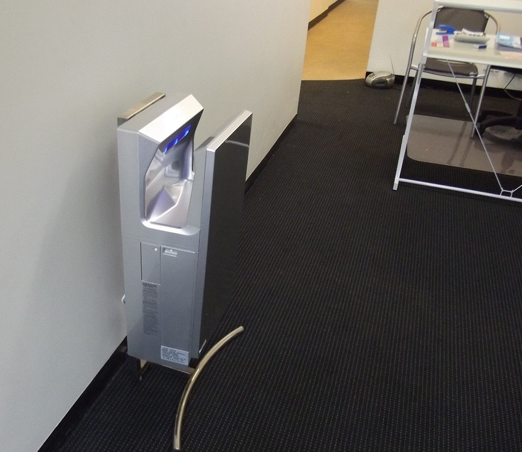 Stand alone jet hand dryers, just plug and dry